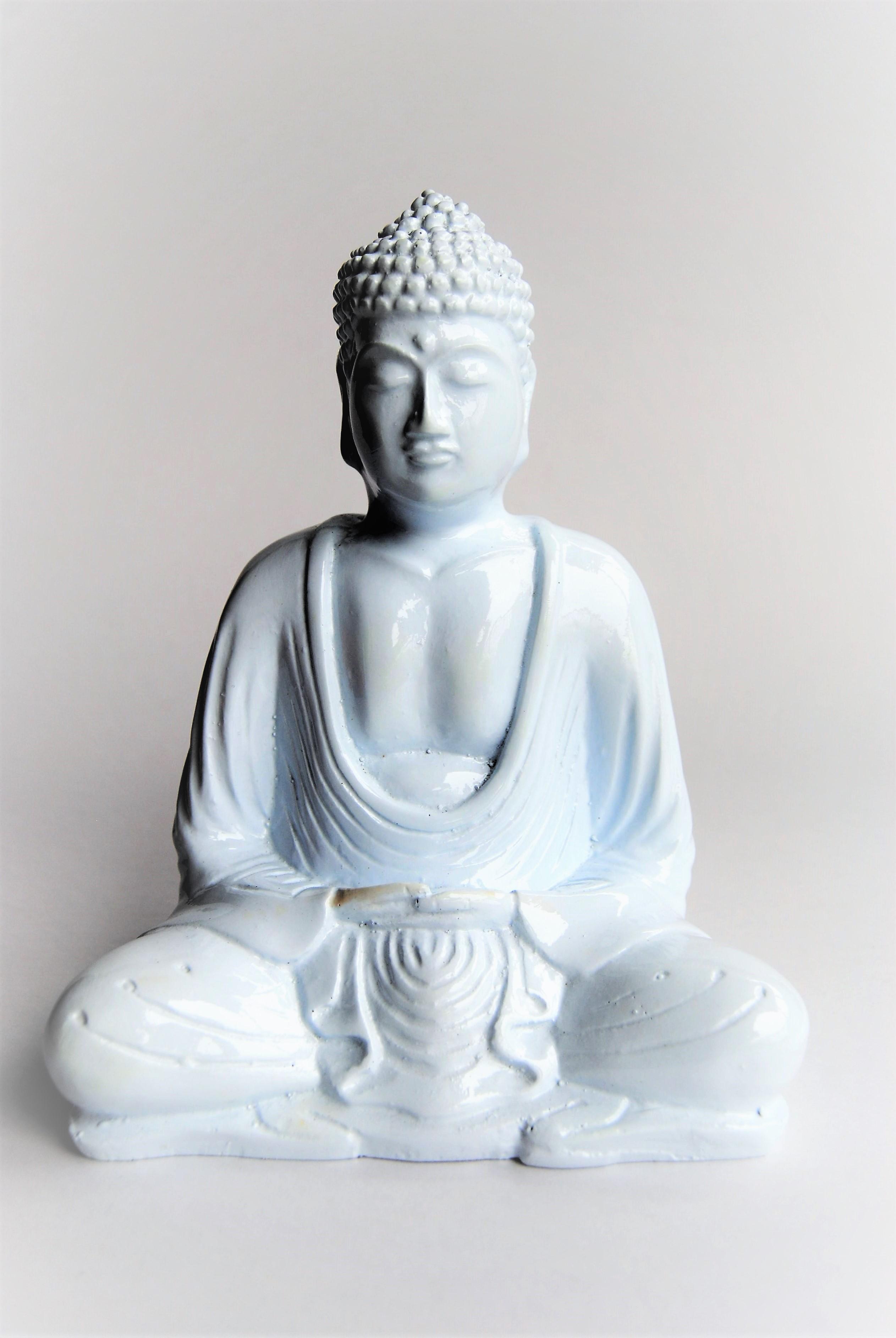 Buddha Statue Small White Bungalow Room